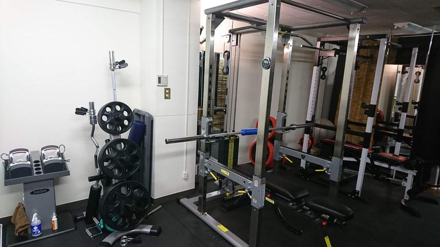 仙台市青葉区のダイエット専門パーソナルジム、セイバーズジムのトレーニング器具
