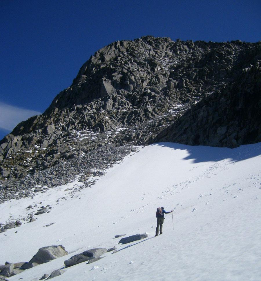 Rosswandspitze - erstes Schneefeld - Bergtour, Zillertaler Alpen, Tirol