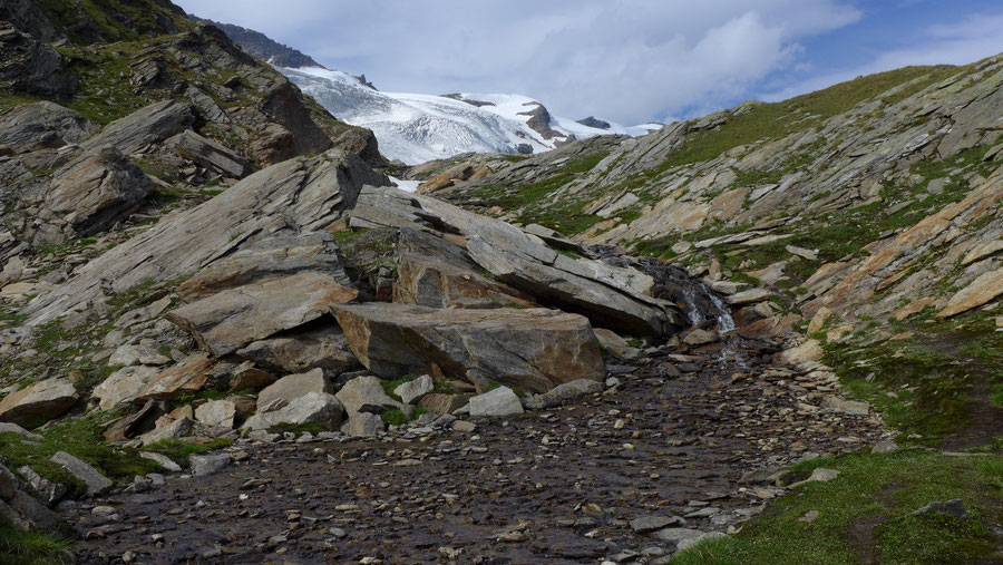 Östliche Simonyspitze - Dellacher Keesflecke, Schmelzwasser - Bergtour, Essener-Rostocker-Hütte, Osttirol