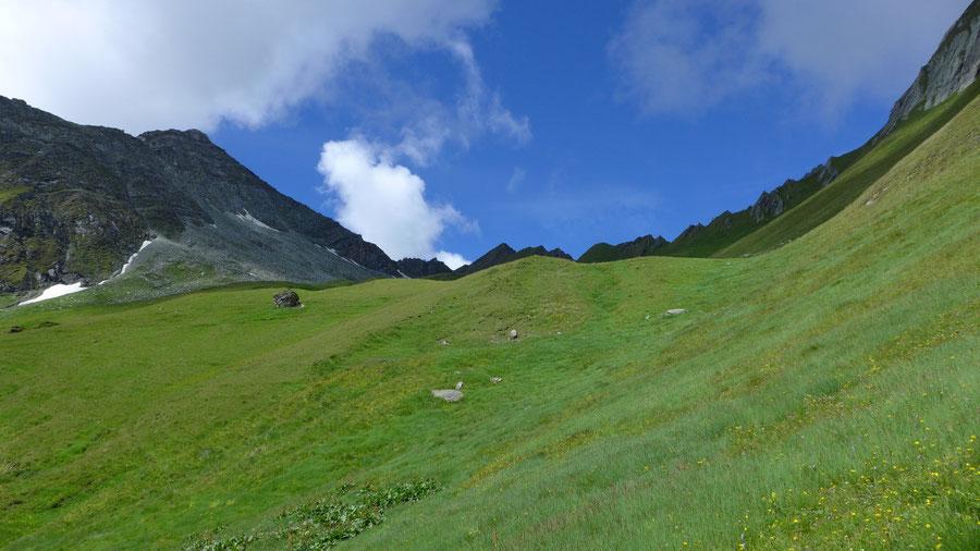 JWD Bergtouren Toinigspitze Kar mit Felsblock