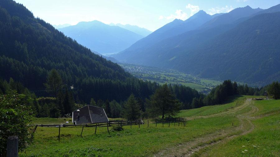 Bonn-Matreier-Hütte - Wanderung, Virgental, Venedigergruppe - Aufstieg Nilljochhütte, Höfe von Budam