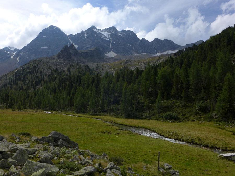 Gelttalalm - Wanderung, Gelltal, Rieserfernerhütte - Rieserfernergruppe über der Gelttalalm
