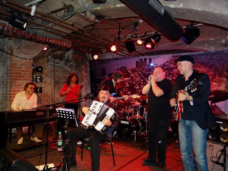 RAD GUMBO mit Lisa Doby, Oh Well, Kreso Oremus, Frank Folgmann und SAKE in Maribor/Slowenien