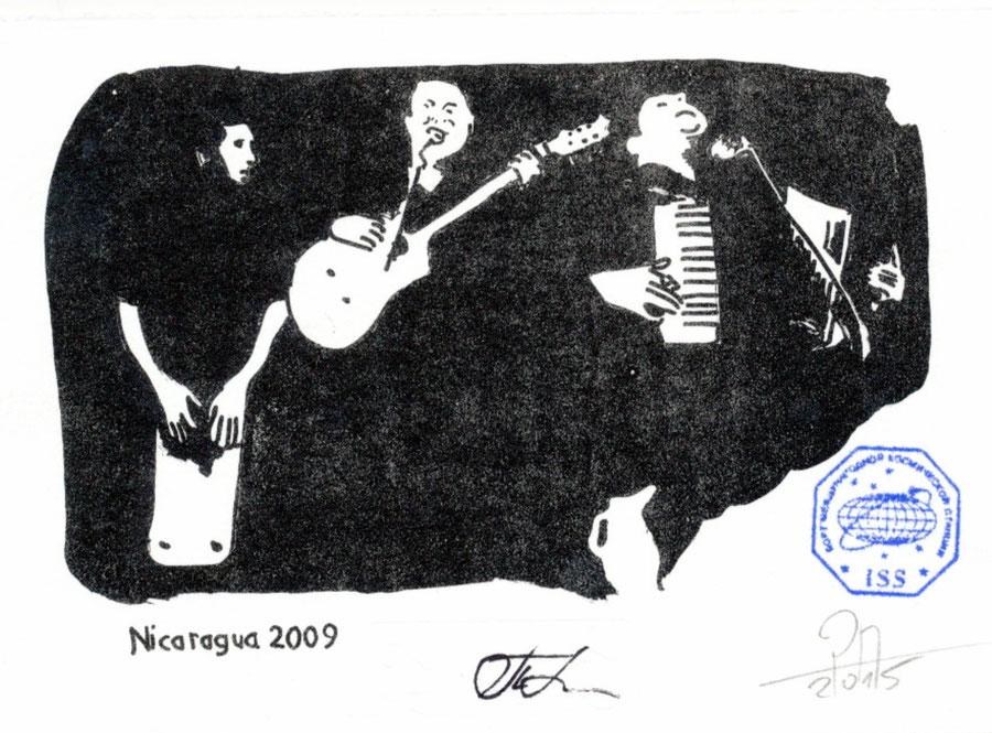 Musiker in Nicaragua als Grafik gedruckt mit Bordstempel der ISS und signiert vom Kommandant Padalka