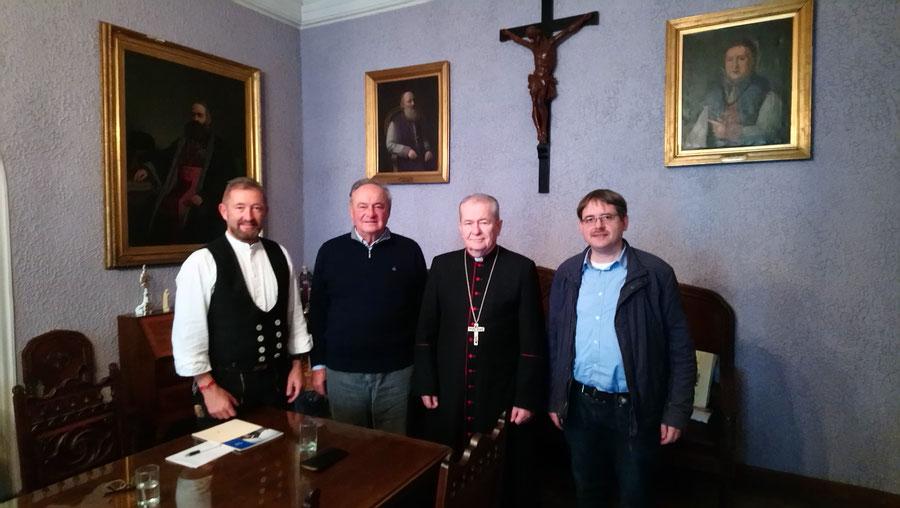 v.l.n.r.: Bernhard Thoma, Hubert Liebherr, Erzbischof von Bukarest Ion Robu, Stefan Lepping