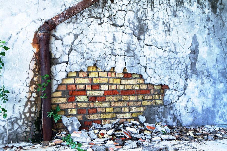 Farbenspiel im Mauerwerk