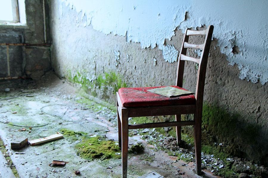 Stuhl im Behandlungszimmer
