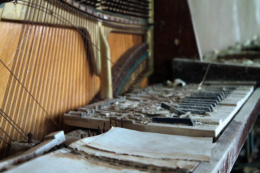 Klavier im Musikraum