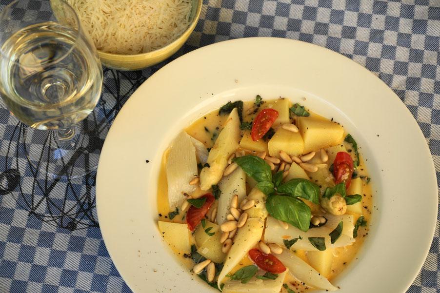 """Feines Spargelragout, raffiniert, vegetarisch auf """"meinezeit-blog.de"""""""