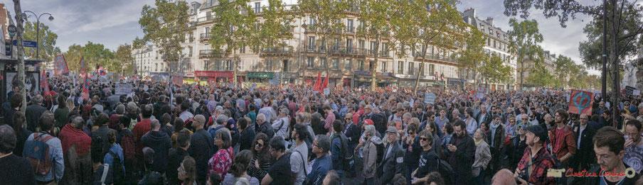 150 000 à 170 000 manifestant-es viennent de toute la France, participer activement à la marche contre le coup d'état social des ordonnances Macron. Panoramique Boulevard des Filles du Calvaire, Paris. 23/09/017 #jaibastille