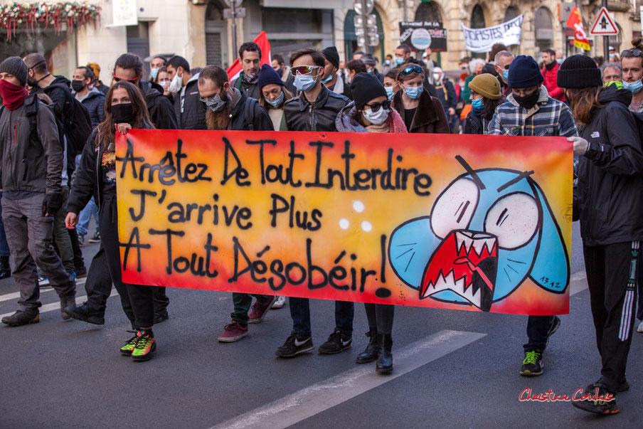 Troisième manifestation contre la loi dite de Sécurité globale, Bordeaux. Samedi 28 novembre 2020. Photographie © Christian Coulais