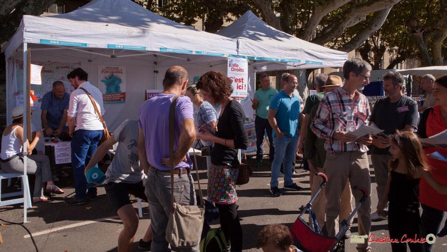 Loïc Prud'homme au marché de la Réole, avec la Caravane rurale organisée par le groupe d'appui l'Estaca. samedi 8 septembre 2018