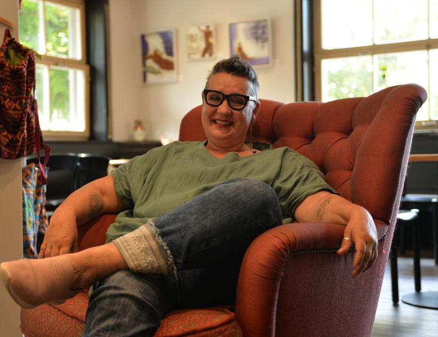 Stefanie Affolter, kurz Stef - Gastgeberin mit Herz in ihrem Kulturbistro