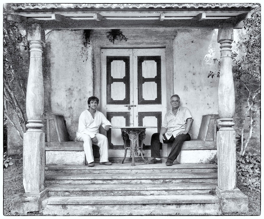 Channa Daswatte, Architect & Dominic Sansoni, Photographer. Photograhed in Lunuganga the country home of the renowned Sri Lankan architect Geoffrey Bawa © OBS 2007