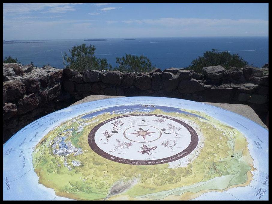 Table d'orientation au sommet du parc départemental de San Peyre