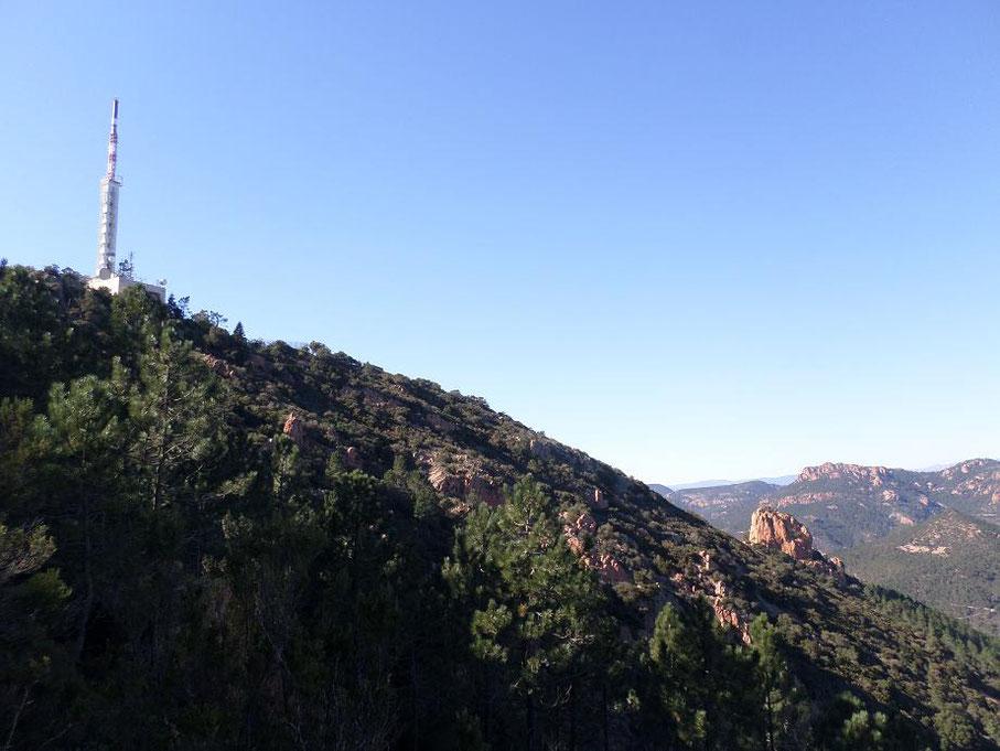 L'antenne au sommet du Pic de l'Ours