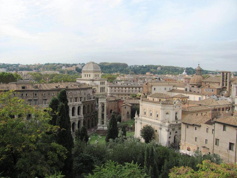 vue sur le teatro di Marcello, toujours de la terrasse.