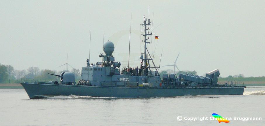 Bundesmarine Schnellboot PUMA S-72 auf dem Weg zum Hamburger Hafengeburtstag 08.05.2015