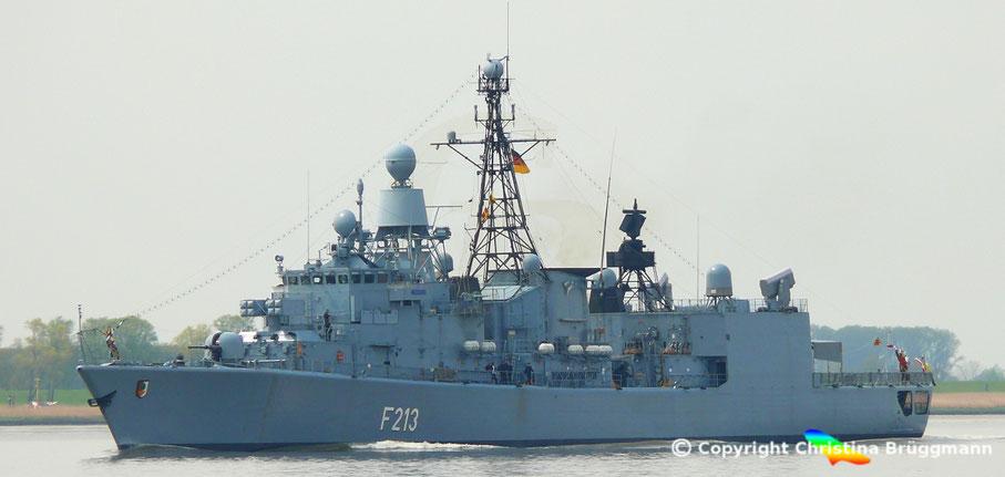 Bundesmarine Fregatte Augsburg F-215 einkommend zum Hafengeburtstag Hamburg 08.05.2015