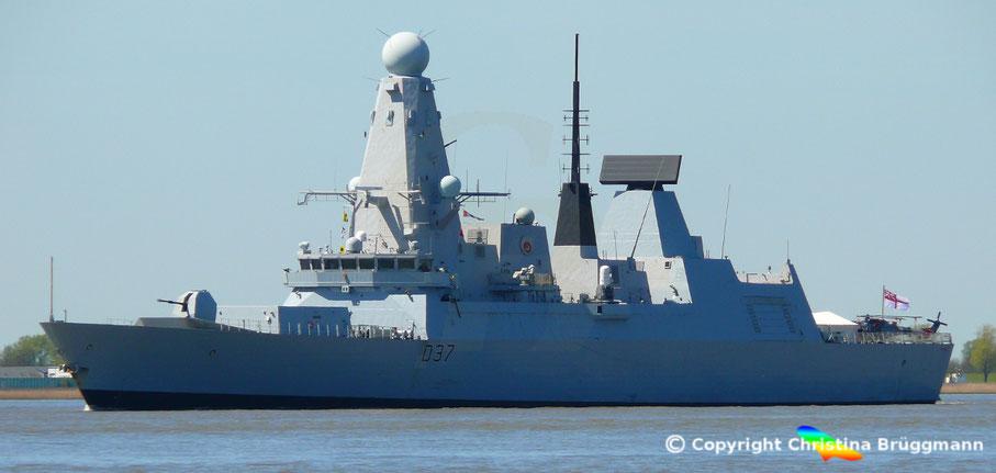 Zerstörer HMS DUNCAN D 37 auf der fahrt zum Hafengeburtstag 5.5.2016