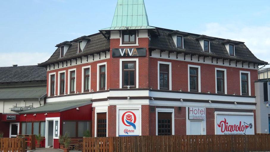 """Früher """"Quickborner Hof"""", danach """"Visit"""" und jetzt """"Diavolo"""" - dieses Gebäude möchte die CDU erhalten"""