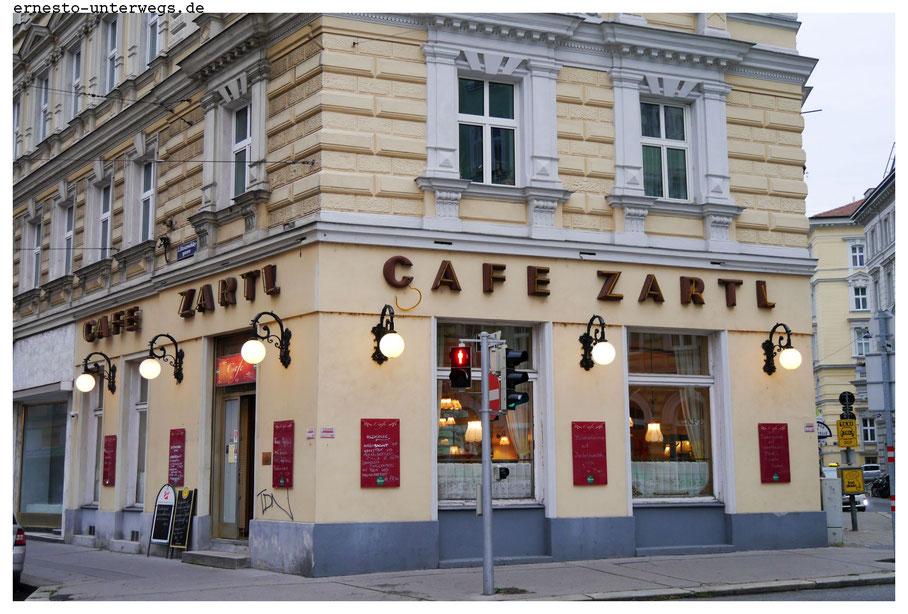 Auch das Cafe Zartl in der Rasumofskygasse (3. Bezirk) ist so ein althergebrachtes Kaffeehaus mit typischem Wiener Charme.