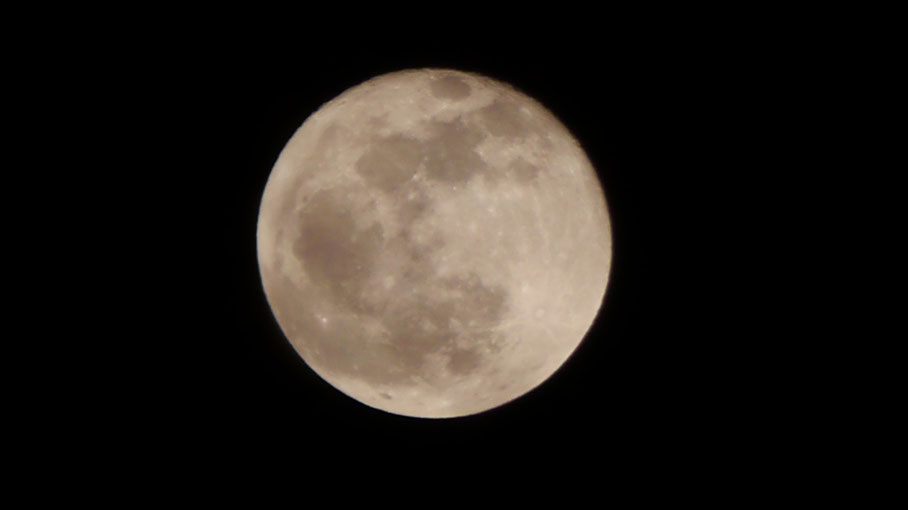 Mond am 06.03.2015, 21:11 MEZ