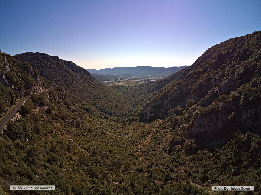 Vue sur la vallée (drone anafi mars 2019)