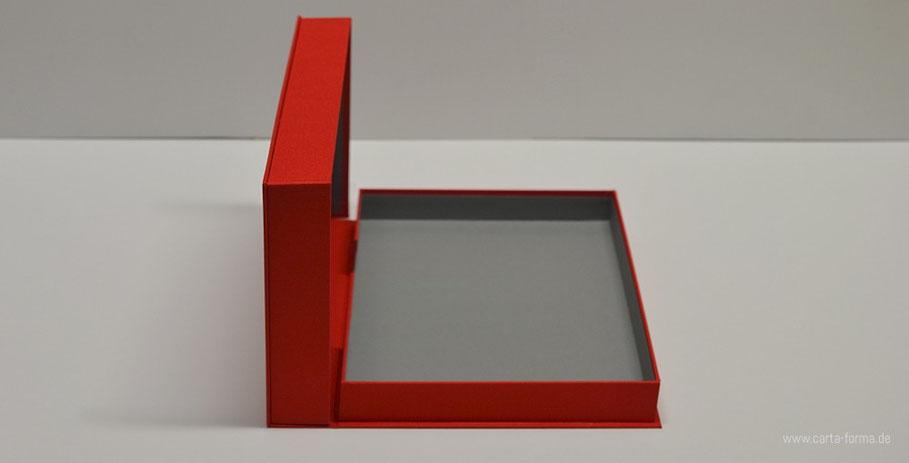 Die Portfoliokasette in Farbe, Kunstmappe in A4 Format, Portfoliobox Rot, Bildarchivierung, Bilderbox