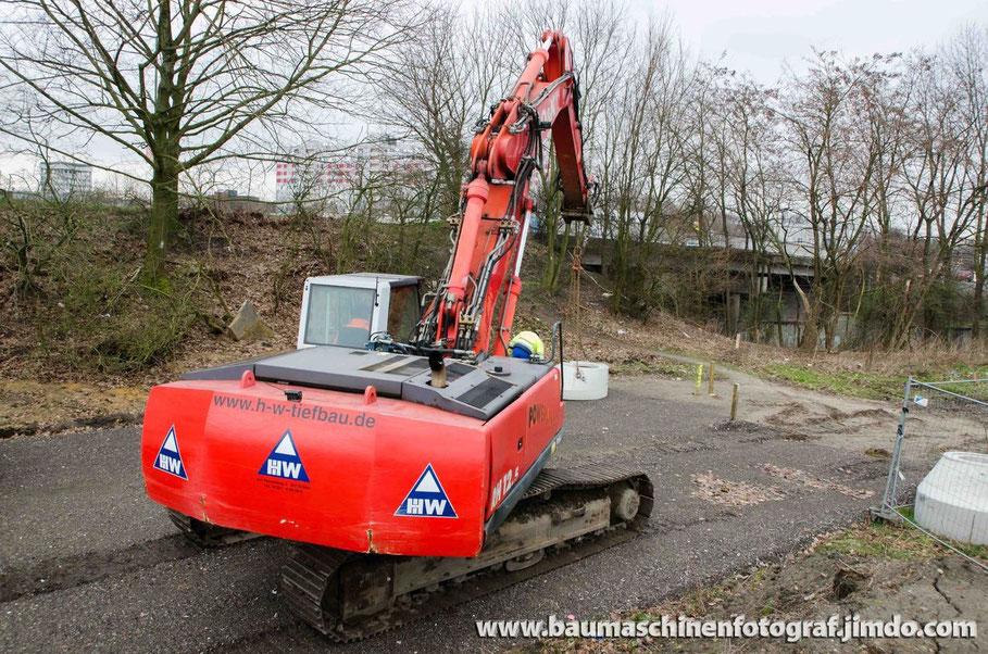Zwei O&K RH12.5 auf einer Baustelle - Erschließung des Neubaugebietes St. Heinrich in Marl