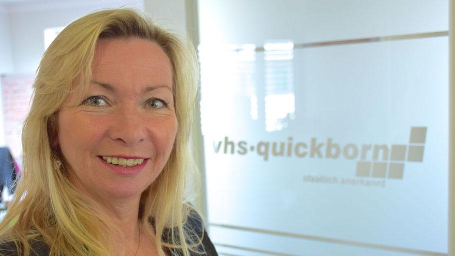VHS-Leiterin Anette Ehrenstein bietet mit ihrem Team ein neues Sprachkurs-Programm