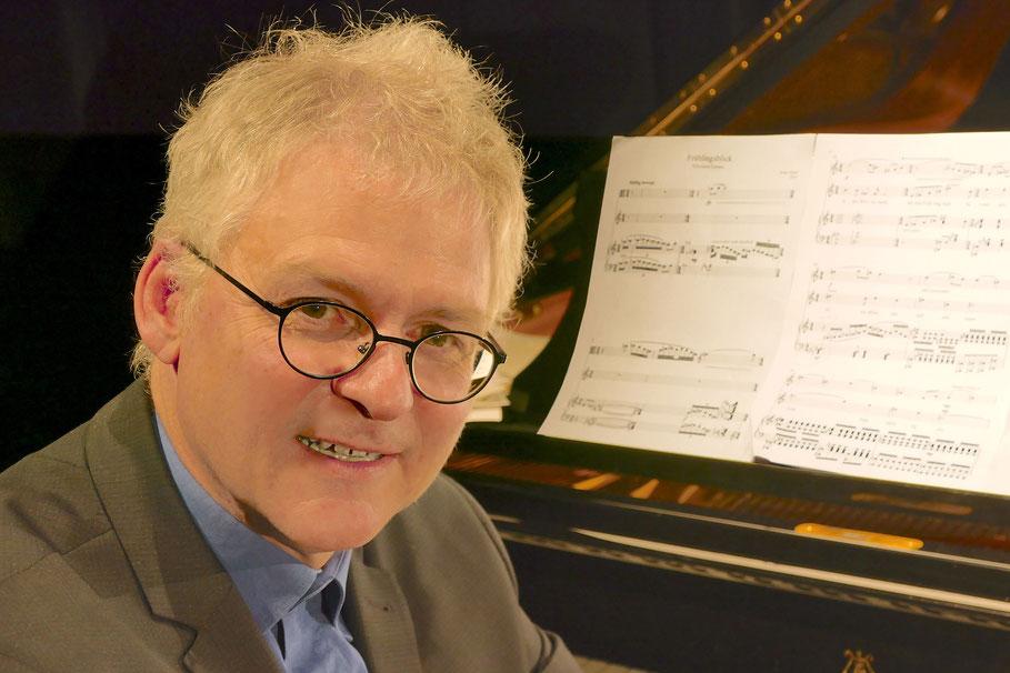 Eberhard Hasenfratz, Vorsitzender der Freunde der Kammermusik, sagt die restlichen Konzerte ab