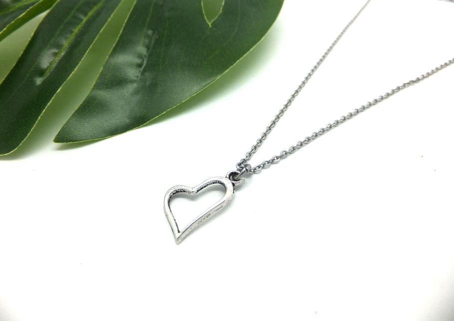 LOVE - Collier cœur, collier argent, collier amour, collier court, collier fait main, idée cadeau.