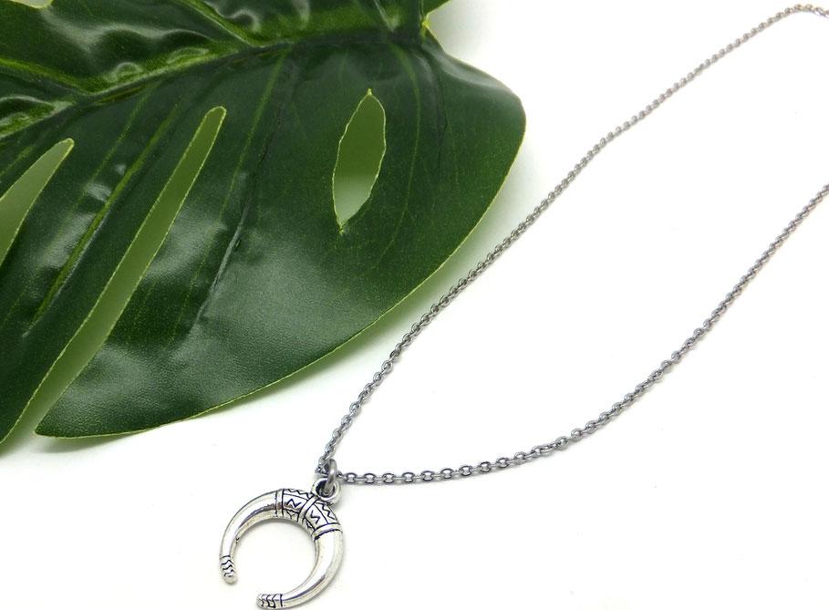 BO - Collier corne, collier argent, collier demi lune, collier court bohochic, collier fait main. ethnique