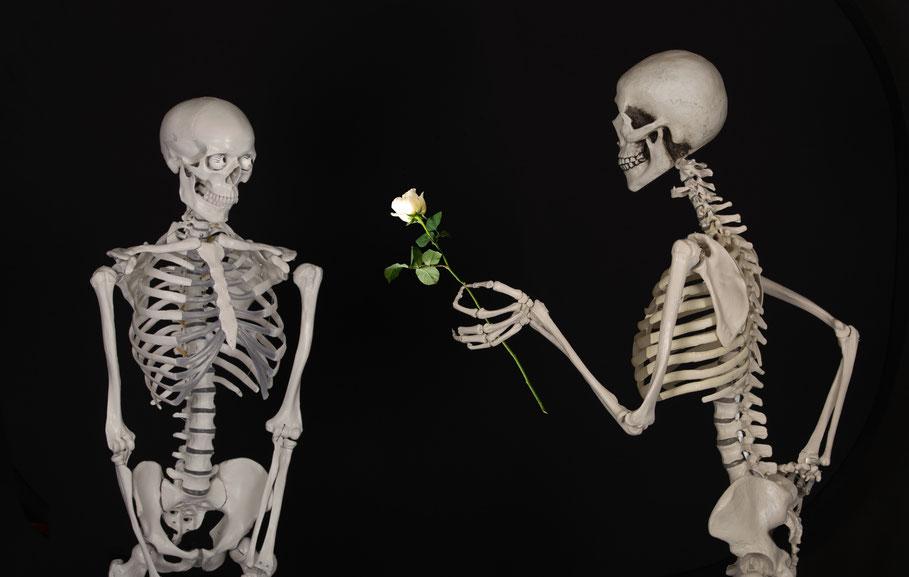 20 petites attentions pour la Saint Valentin. Origine de la Saint Valentin La Saint Valentin sert à fêter les amoureux bien sûr!