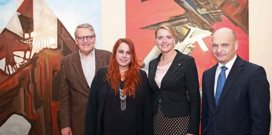 Vernissage am 6.2.2017, Landtag NRW, von links nach rechts, Prof. Dr. Dr. Sternberg MdL, Christine Westenberger, Christina Schulze Föcking MdL, Kreisdirektor Martin Sommer
