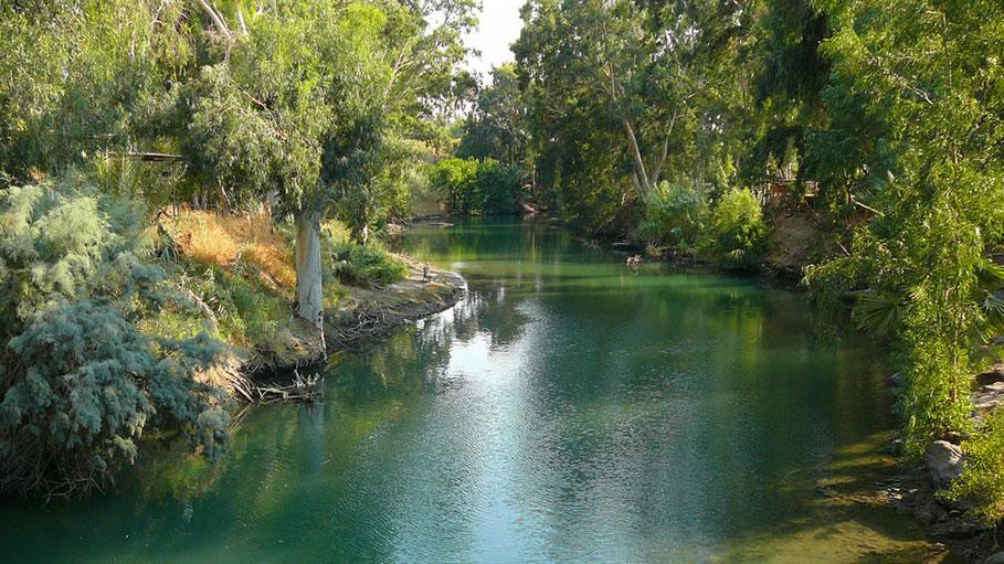 Vista del Río Jordán donde tuvo lugar el Bautismo de Jesucristo por Juan el Bautista.