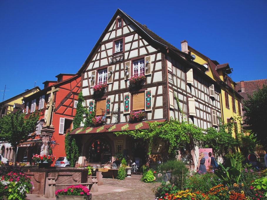 kaysersberg alsace france maison village bois