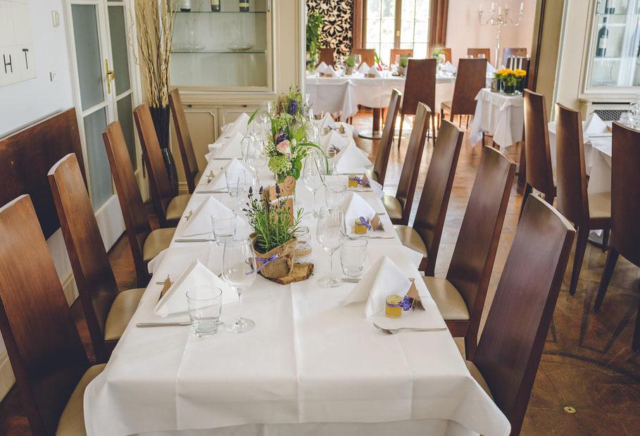 Hochzeit, der beste Fotograf, Russelsheim am Main, Nauheim, Bischofsheim, Bauschheim, Hessen, Fotografie, Reportage, Restaurant Opelvillen, Dekoration