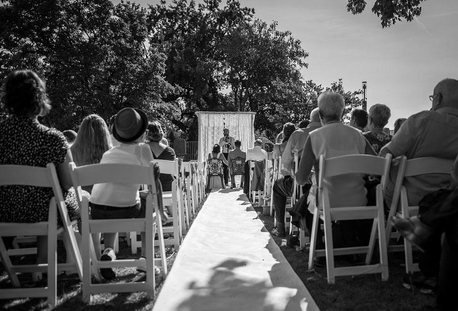 Hochzeit, der beste Fotograf, Russelsheim am Main, Nauheim, Bischofsheim, Bauschheim, Hessen, Fotografie, Reportage, Portrait,  Bräutigam, Braut, Fotoshooting,, Zeremonie