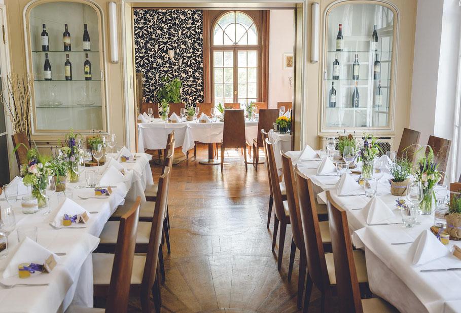 Hochzeit, der beste Fotograf, Russelsheim am Main, Nauheim, Bischofsheim, Bauschheim, Hessen, Fotografie, Reportage, Restaurant Opelvillen, Tischdekoration
