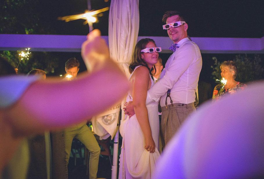 Hochzeit, der beste Fotograf, Russelsheim am Main, Nauheim, Bischofsheim, Bauschheim, Hessen, Fotografie, Reportage, Portrait,  Bräutigam, Braut, der erste Tanz, Opel Ville Restaurant, Tradition