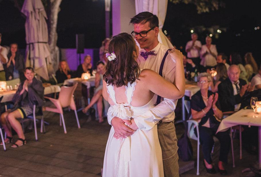 Hochzeit, der beste Fotograf, Russelsheim am Main, Nauheim, Bischofsheim, Bauschheim, Hessen, Fotografie, Reportage, Portrait,  Bräutigam, Braut, der erste Tanz, opel Ville