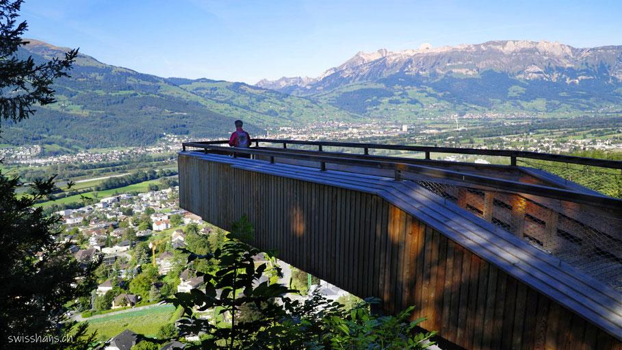 Aussichtsplattform auf dem Walderlebnispfad Vaduz