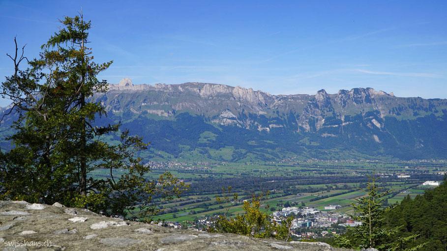 Aussicht von der Burgruine Schalun bei Vaduz
