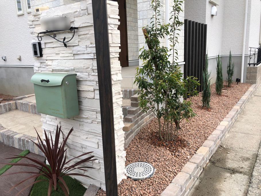 スタンプコンクリート 木目 カタログ 駐車場 ブロック 種類 DIY 補修 費用 滑る マット レンガ 価格 とは