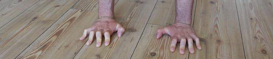 Placement des mains équilibre sur les mains