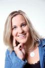 Elisabeth Purkrabek-Lassacher lächelnd, nachdenklich