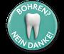Kariesinfiltration, Bohren? Nein Danke! in der Zahnarztpraxis Berthold Pilsl in Garmisch - Partenkirchen © DMG Chemisch-Pharmazeutische Fabrik GmbH