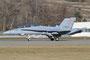 Für Abnahmeflüge und die letzte Phase der Pilotenausbildung dienen die F/A-18B Doppelsitzer.